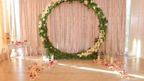 Decoração do casamento Arco redondo do casamento vídeos de arquivo