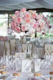 Decoração do casamento no restaurante imagem de stock royalty free