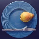Decoração do chapeamento do vintage - pera amarela imagens de stock