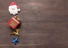 Decoração do dia de Natal no fundo de madeira com vazio Foto de Stock Royalty Free