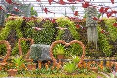 A decoração do jardim no jardim tropical de Nong Nooch em Pattaya, Tailândia Fotos de Stock Royalty Free