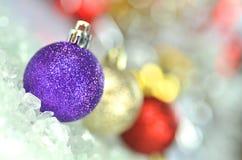 Decoração do Natal, bolas coloridas do Natal Fotografia de Stock