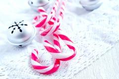 Decoração do Natal com bastões de doces Imagens de Stock Royalty Free