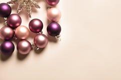 Decoração do Natal com esferas imagens de stock royalty free