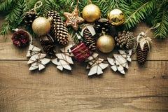 Decoração do Natal com fundo de madeira Imagens de Stock Royalty Free