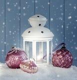 Decoração do Natal com lanterna branca Foto de Stock