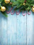 Decoração do Natal com pele e quinquilharias Foto de Stock