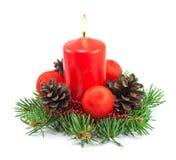 Decoração do Natal com vela vermelha fotos de stock