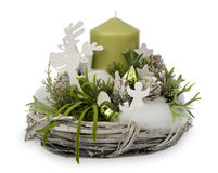 Decoração do Natal - composição do Natal feita da grinalda, das velas e dos acessórios decorativos do Natal isolados Fotos de Stock