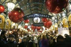 2013, decoração do Natal de Londres, jardim de Covent Imagem de Stock Royalty Free