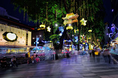 Decoração do Natal na estrada do pomar de Singapore Foto de Stock Royalty Free