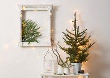 Decoração do Natal na parede do branco do fundo fotografia de stock royalty free