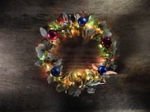 Decoração do Natal no fundo da madeira do vintage imagem de stock royalty free