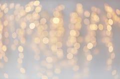 Decoração do Natal ou bokeh das luzes da festão imagem de stock