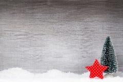 Decoração do Natal Papai Noel em um sledge Xmas do símbolo fotografia de stock