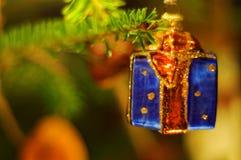 Decoração do presente da quinquilharia da árvore de Natal Fotografia de Stock