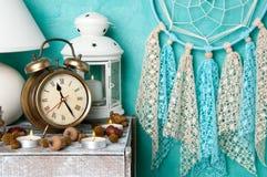 Decoração do quarto na água-marinha fotografia de stock royalty free