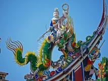 A decoração do telhado do templo taiwanês Fotografia de Stock