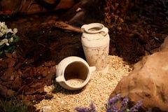 Decoração e ofício cerâmicos dos jarros da argila dos vasos Fotografia de Stock Royalty Free
