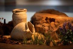 Decoração e ofício cerâmicos dos jarros da argila dos vasos Foto de Stock
