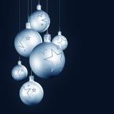 Decoração elegante do Natal com baubles brilhantes Fotografia de Stock Royalty Free