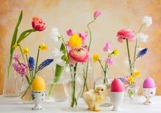 Decoração festiva da tabela da Páscoa Fotografia de Stock