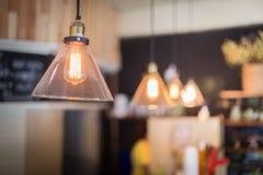 Decoração luxuosa retro bonita da lâmpada da iluminação interior imagens de stock
