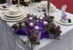 Decoração na tabela do Natal Imagem de Stock