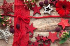 Decoração no vermelho pelo tempo do Natal Fotografia de Stock Royalty Free