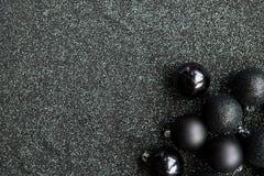 Decoração preta festiva do Natal com Natal preto à moda Imagem de Stock Royalty Free