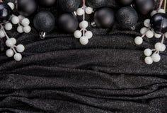 Decoração preta festiva do Natal com Natal preto à moda Fotografia de Stock
