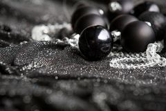 Decoração preta festiva do Natal com Natal preto à moda Imagens de Stock Royalty Free