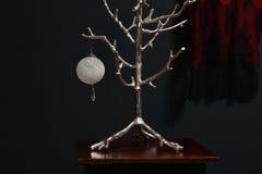 decoração romântica do Natal com marrom e vermelho pretos à prata imagens de stock royalty free