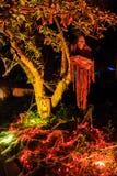 Decoração super de Dia das Bruxas na avenida de Alegria, serra Madre fotografia de stock royalty free
