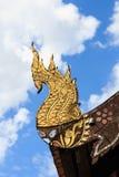 A decoração tailandesa do norte do telhado do templo do estilo Fotografia de Stock