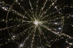 Decorações bonitas das luzes de Natal do close-up imagens de stock