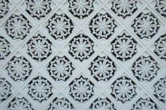 Decorações brancas da telha na parede exterior de Royal Palace novo Imagem de Stock Royalty Free
