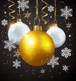 Decorações brancas e douradas em um fundo preto Imagens de Stock