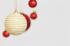 Decorações coloridas das bolas do Natal Imagem de Stock