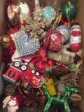 Decorações da árvore de Natal em um retrato da caixa Imagem de Stock Royalty Free