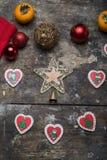 Decorações da árvore de Natal na tabela Imagem de Stock