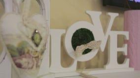Decorações de madeira Amor video estoque