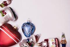 Decorações de vidro do Natal em um fundo branco Imagens de Stock Royalty Free