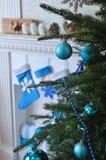 Decorações do feriado na árvore de Natal Fotografia de Stock Royalty Free