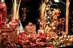 Decorações do globo do Natal em Munich foto de stock