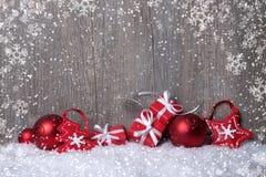 Decorações do Natal com caixas de presente Imagem de Stock Royalty Free