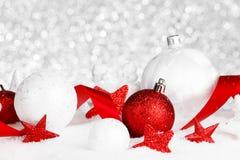 Decorações do Natal na neve Imagens de Stock Royalty Free