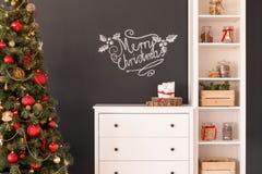 Decorações do Natal na sala de visitas Imagens de Stock