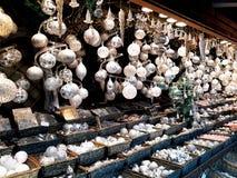 Decorações do Natal no mercado Fotos de Stock Royalty Free