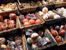 Decorações do Natal no mercado Imagens de Stock